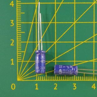 2,2 мкФ х  50В Конденсатор электролитический 85С