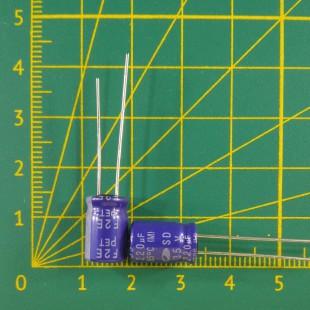 220 мкФ х  35В Конденсатор электролитический 85С