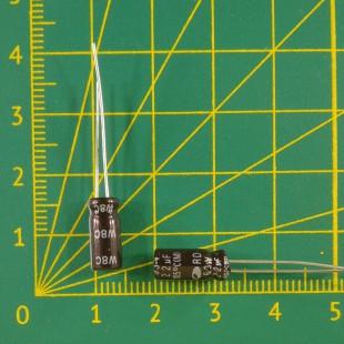 22 мкФ х  63В Конденсатор электролитический 105С